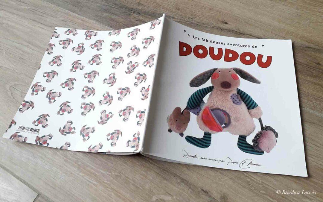 Idée cadeau : réalisez un album photo dont Doudou est le héros !