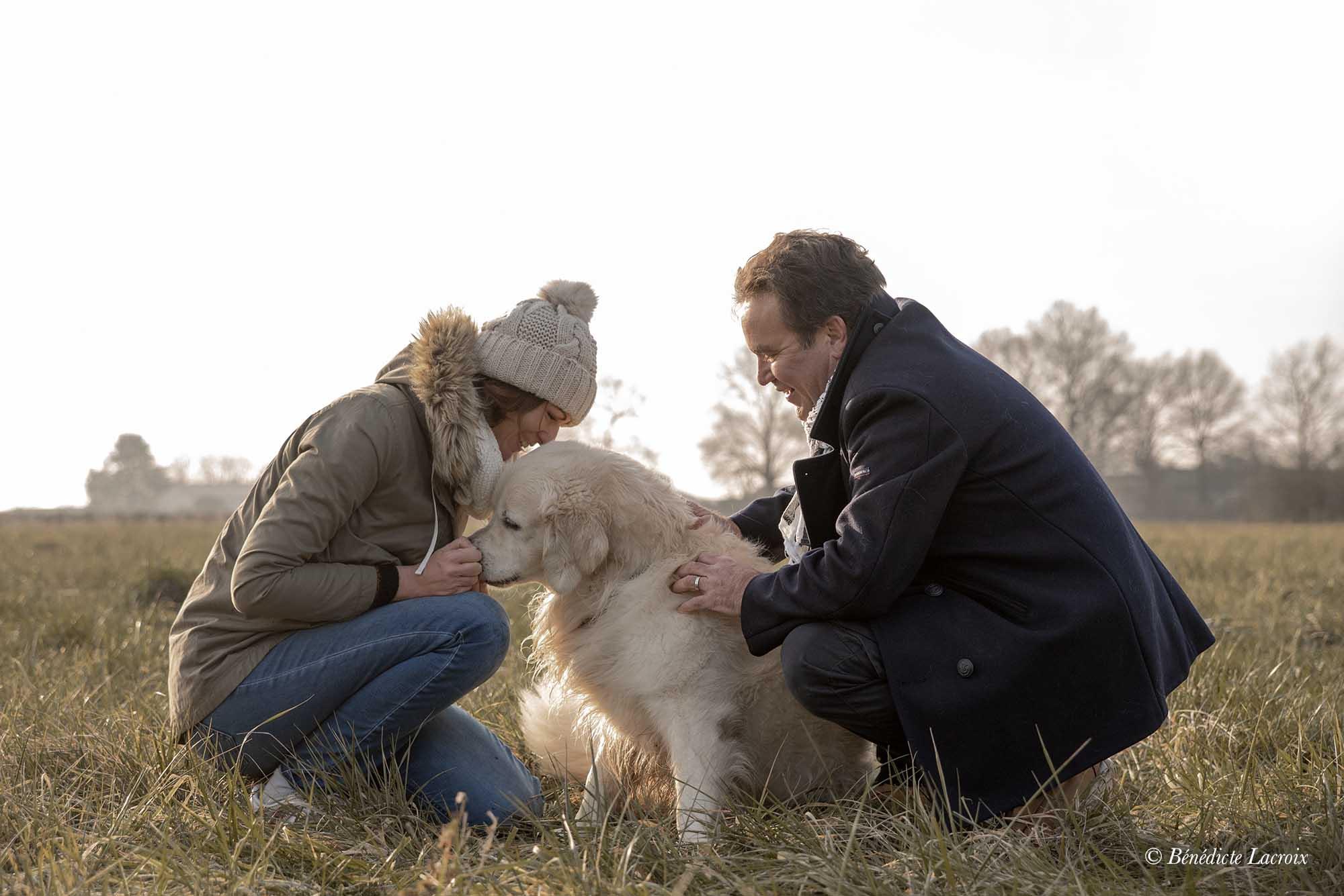 Photo couple et son chien